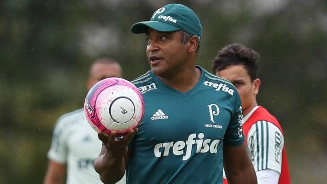 Roger ensaia Palmeiras com Felipe Melo, Lucas Lima e Marcos Rocha
