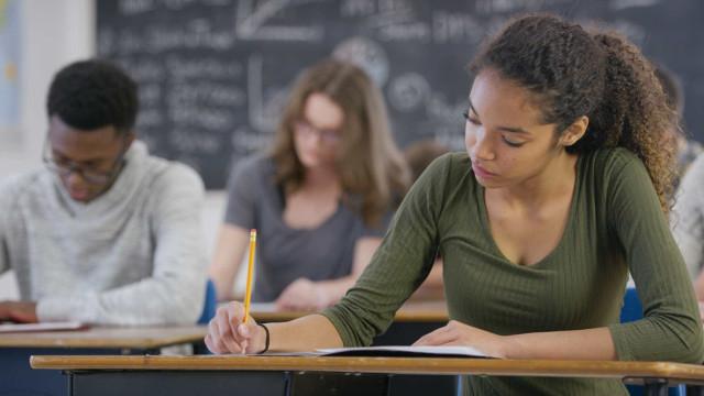 Currículo do ensino médio terá só duas disciplinas; entenda