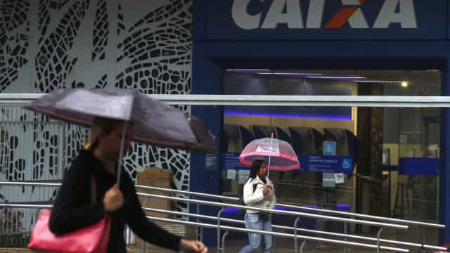 Procuradoria move ação contra estagiário da Caixa por desvios