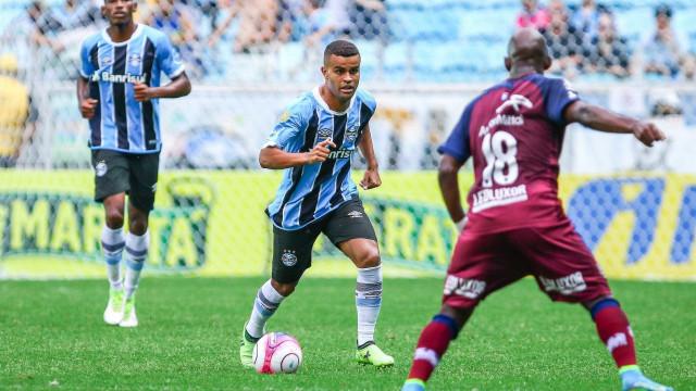 Em casa, Grêmio leva virada e perde jogo de 8 gols para o Caxias