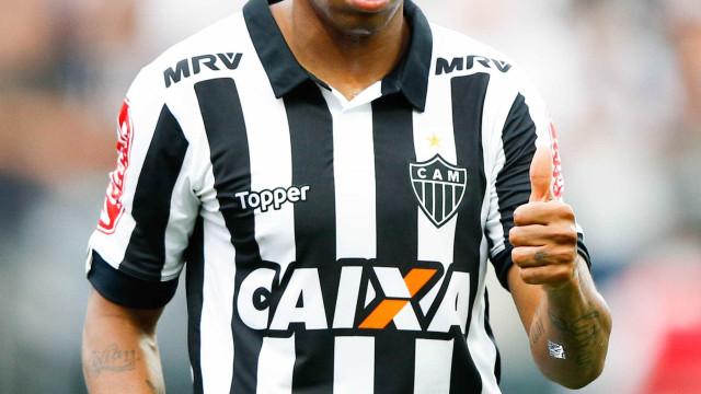 Atlético-MG faz acordo e pagará R$ 4,3 milhões a Robinho em 35 parcelas