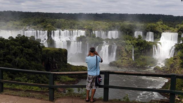 Turismo tem prejuízo de R$ 355,2 bi na pandemia e corta 474 mil empregos formais