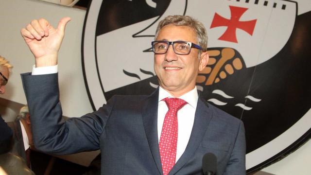 Em carta à torcida, presidente diz que eliminou esquema de roubos no Vasco