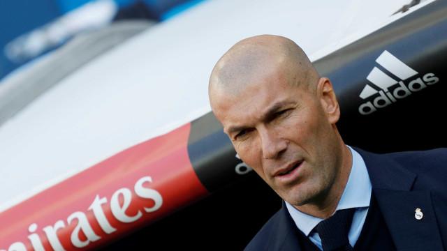 Dois jogadores do Real Madrid não suportam mais Zidane, diz jornal