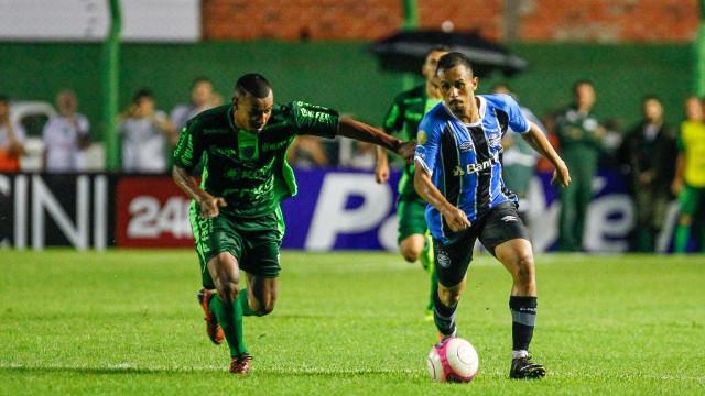 Grêmio perde para o Avenida-RS com gol no fim da partida