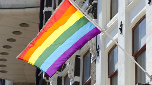 No Egito, apresentador é condenado à prisão por entrevistar homossexual
