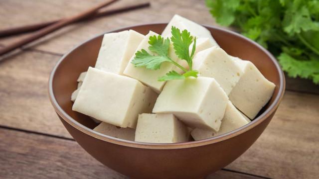 Como cozinhar tofu: Três receitas fáceis e deliciosas