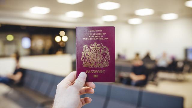 Conheça as nacionalidades que mais viajam