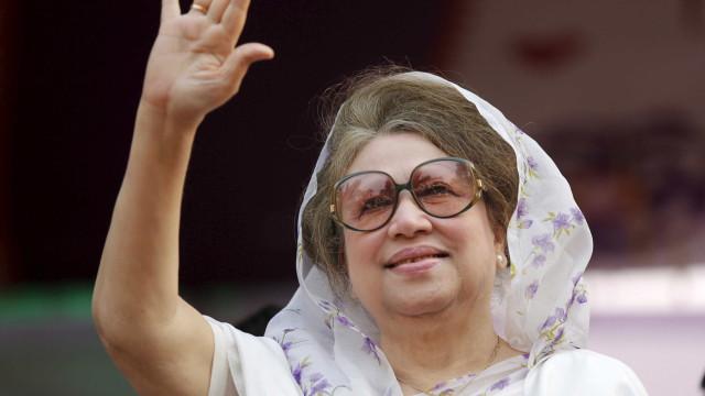 Ex-premier de Bangladesh é condenada a 5 anos de prisão