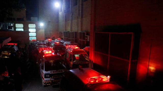 Acidente com ônibus mata oito pessoas no Paquistão