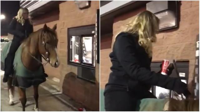Mulher a cavalo pede lanche em drive-thru nos EUA