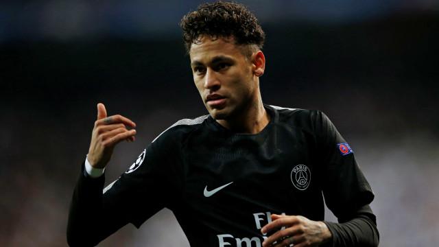 Jornal espanhol destaca 'guerra' entre PSG e CBF por Neymar