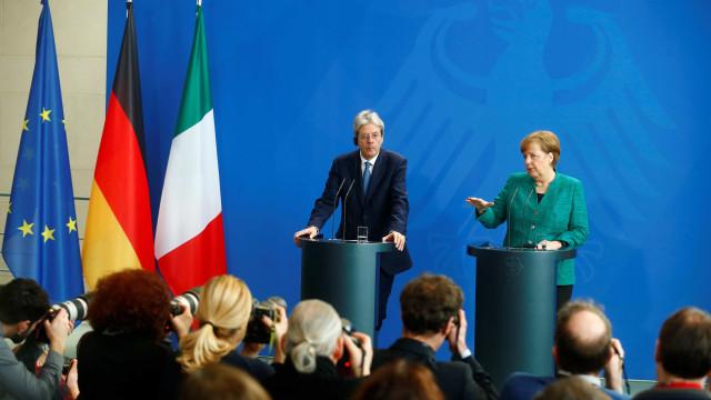 Gentiloni e Merkel defendem 'nova fase' da União Europeia