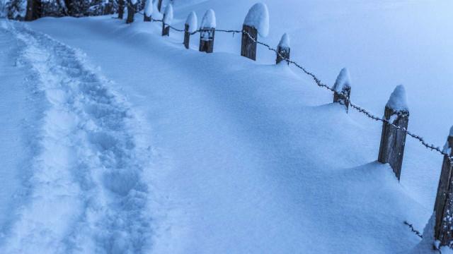 Duas pessoas ficam feridas em avalanche na Suiça