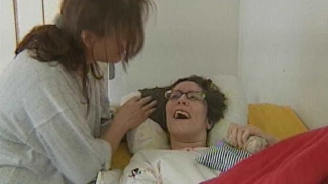 Jovem que ficou tetraplégica após lipoaspiração vai receber R$ 300 mil