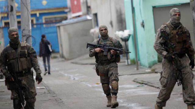 Exército prende no Rio dois militares por desvio de 1.350 balas