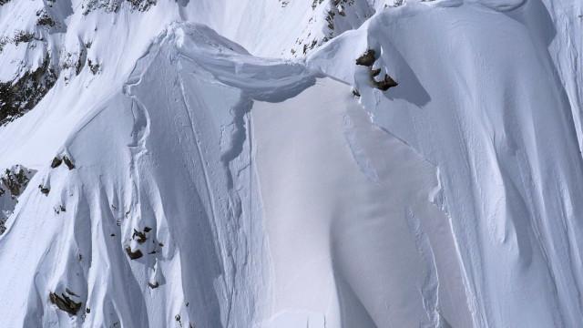 Avalanche na Suíça faz três mortos