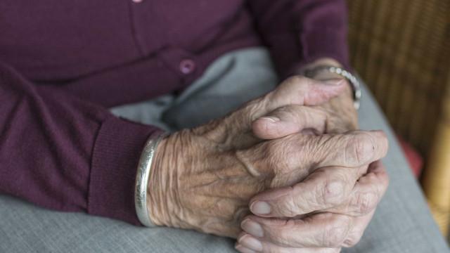 Comissão aprova isenção maior de Imposto de Renda para idosos