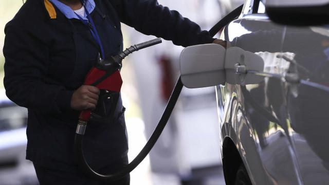 Gasolina sobe em 21 Estados e no DF, diz ANP