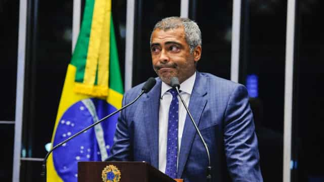 Homens com fuzis invadem bar e rendem candidato a vice de Romário
