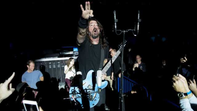 Foo Fighters entrega pacote completo de rock and roll em São Paulo