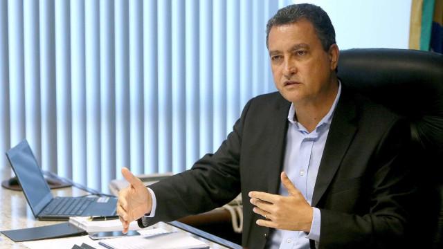Governadores pedem a Bolsonaro imediata adoção de providências por vacinas