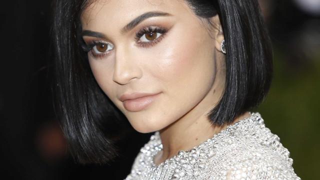 Filha de Kylie Jenner já tem coleção de carros de luxo; entenda
