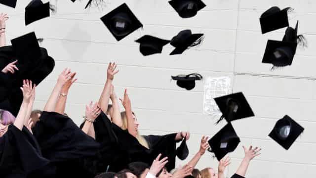 Irlanda oferece bolsas para graduação e pós em qualquer área