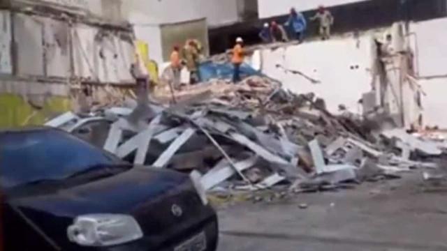Queda de muro em obra mata homem soterrado em Niterói