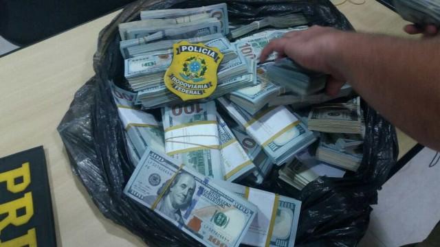 Polícia apreende US$ 440 mil com comerciante chinês na Régis, em SP