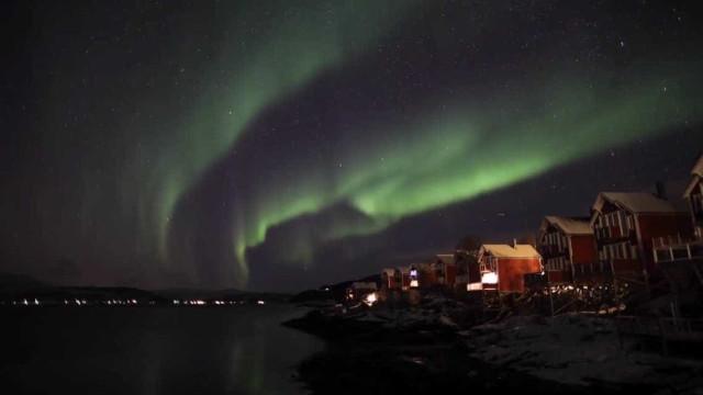 Incrível time-lapse mostra aurora boreal na Noruega