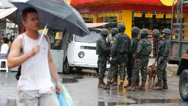 Falha do Exército deixa morador do Rio detido por 36 horas