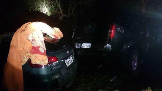 Bobinas de aço caem de caminhão e matam três em MG