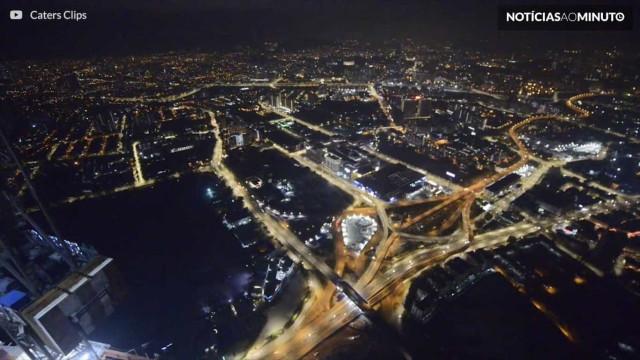 Fotógrafo sobe na torre mais alta do sudeste asiático