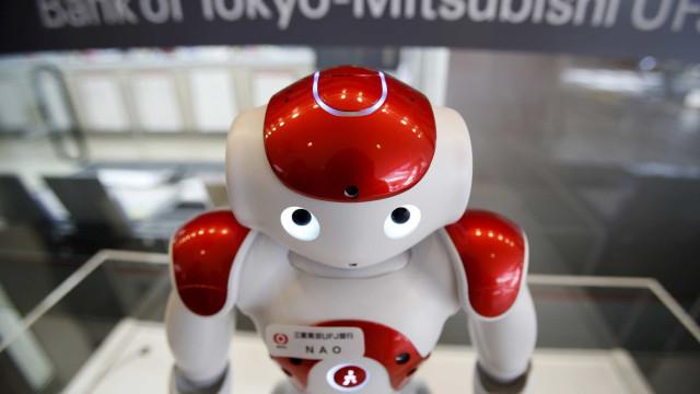Robôs hackeados estão dando boas-vindas com pornô e exigindo bitcoin