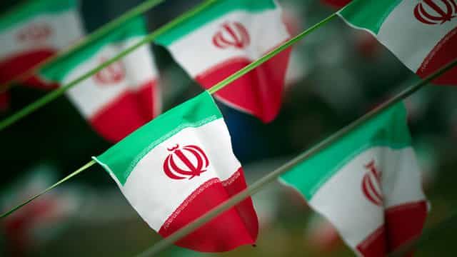 Irã: ataque suicida mata ao menos 20 militares da Guarda Revolucionária