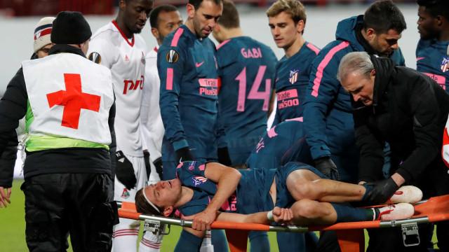 Atlético de Madri confirma fratura na fíbuladeFilipe Luís