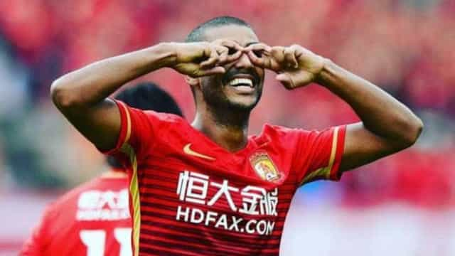 Ex-Fluminense marca sexto gol e é artilheiro na China