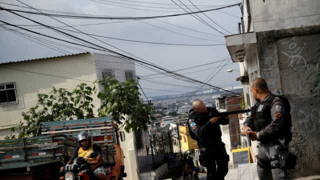 Mortes em confronto com polícia aumentam 46% em maio no RJ