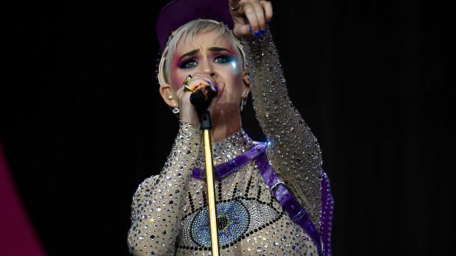 Caminhão que levava figurinos de Katy Perry é alvo de criminosos no Rio