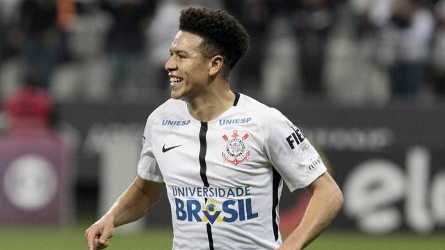 Grêmio retoma interesse e entra em disputa por Marquinhos Gabriel