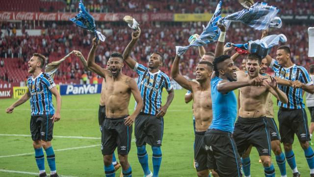 Inter vence e quebra jejum, mas Grêmio vai à semifinal do Gaúcho