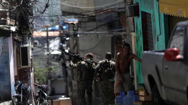 Operação em comunidades da zona sul do Rio termina com 16 presos