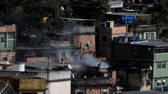 Rio: Rocinha é alvo de operação policial neste sábado