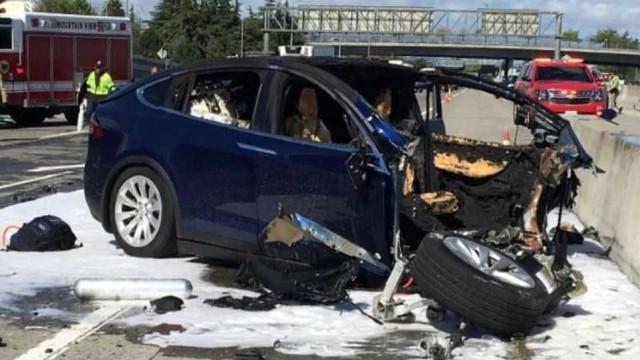 Carro da Tesla envolvido em acidente fatal estava em piloto automático