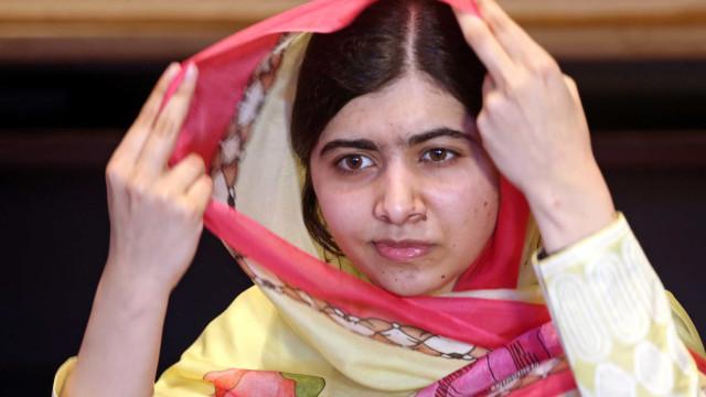 Malala visita sua cidade natal pela 1ª vez desde atentado
