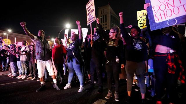Polícia acelera e atropela manifestante na vigília de Stephon Clark