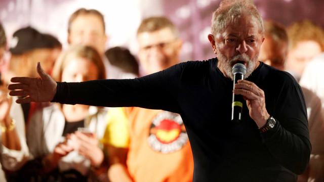 Lula afirma em carta que até adversários devem defender sua candidatura