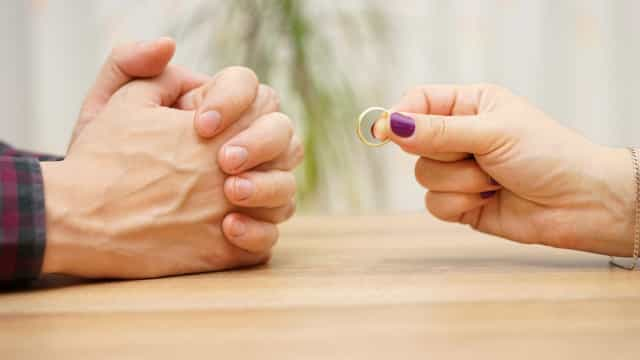 China lança projeto para travar divórcios com 'período de reflexão'