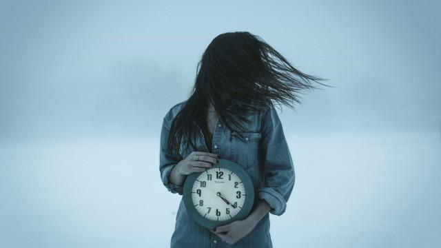 Viagem no tempo é realmente possível e já foi feita; entenda